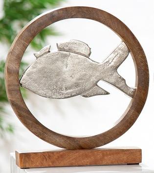 Fisch-aus-Aluminium-mit-rahmen-und-Sockel-aus-Holz_Wohnaccessoire_gruenzimmer-shop_strandkoerbe-und-gartenmoebel